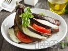 Рецепта Цял пълнен патладжан ветрило на пара запечен с домати и моцарела на фурна